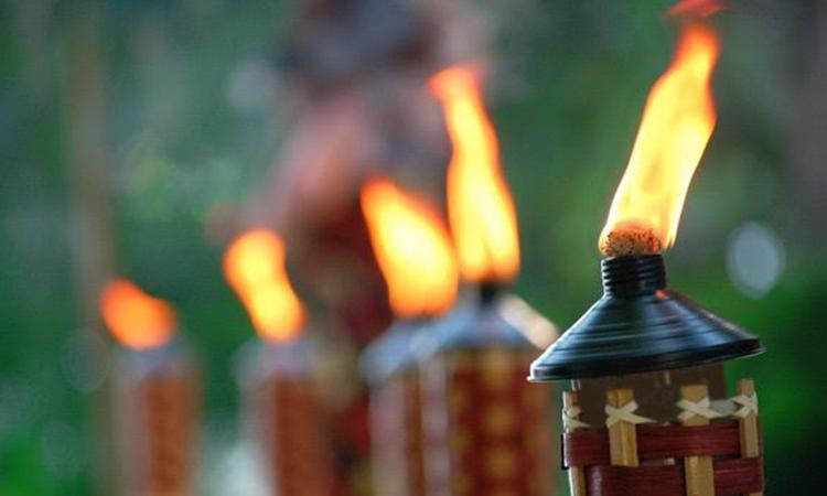 Outdoor-Tiki-Torche