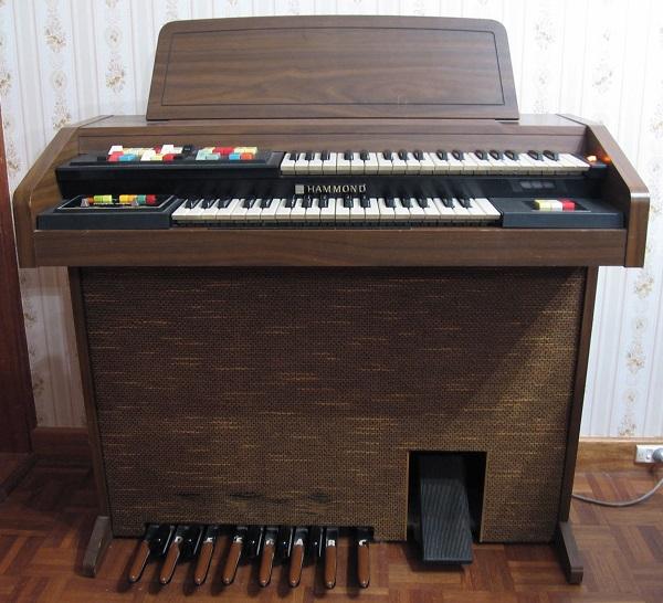 hammond-123j3-organ
