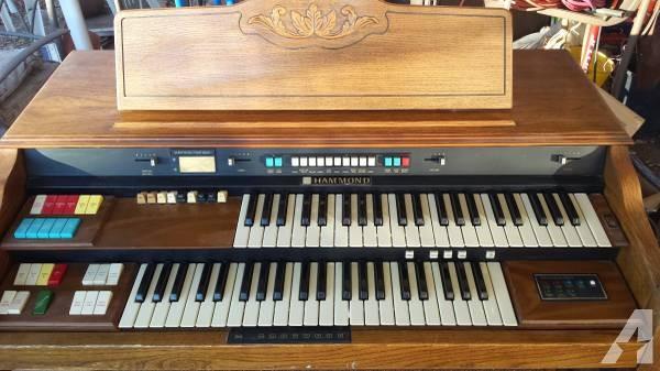 hammond-organ-model-142115-200-americanlisted_36414309