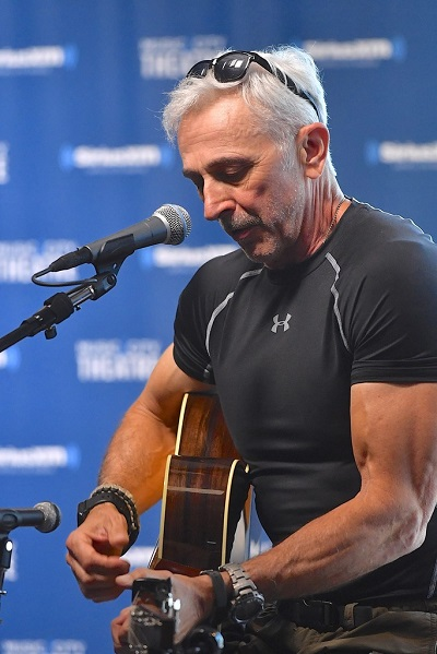 Aaron+Tippin+Performs+Live+SiriusXM+Prime+F2-4UjTxQlUx